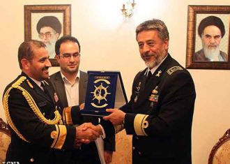 Iranian Navy chief Rear Admiral Habibollah Sayyari and Omani Royal Navy Commander Rear Admiral Abdullah Bin Khamis Bin Abdullah al-Raisi