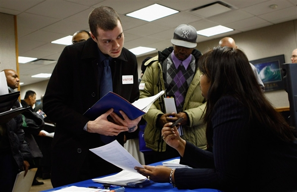 The unemloyment rate in United States dropped to 8.3 percent in January