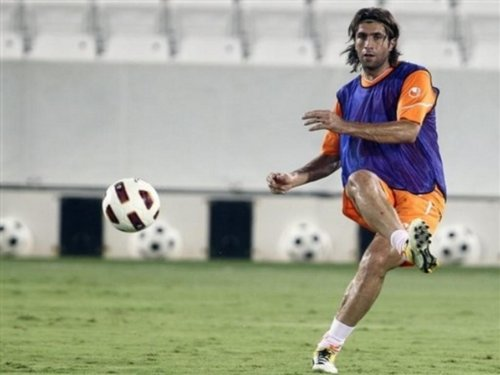 Hadi Aghily May Leave Al-Arabi to Piroozi