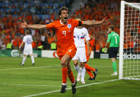 Netherlands Coach Ruled Out Van Nistelrooy From Euro 2012 competitions