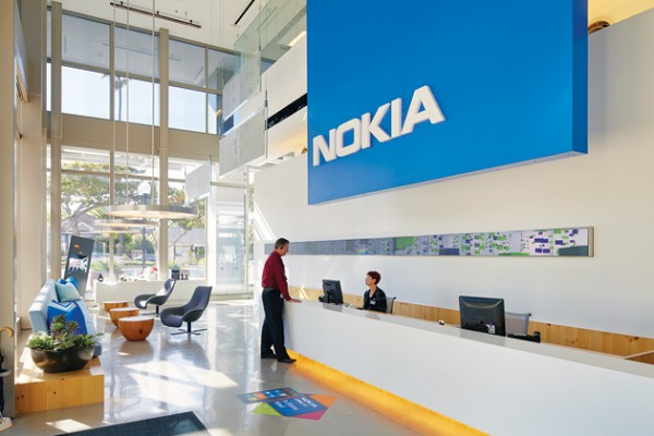 Nokia Closes Tehran Office