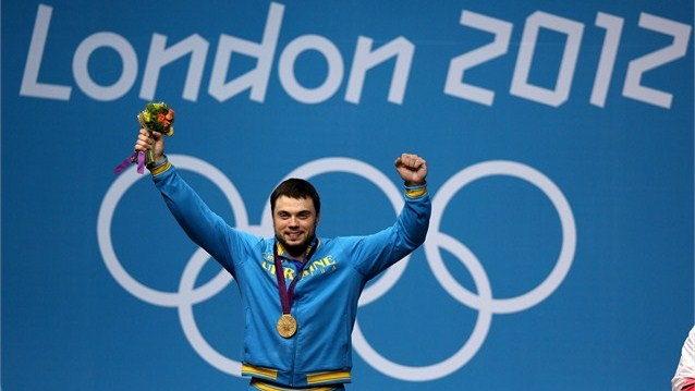 Iran's Navab Nasirshelal Won Silver Medal in Men's Weightlifting 105kg