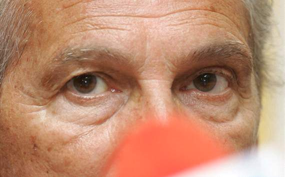Manuel Jose is Experiencing Hard Conditions in Iran's Persepolis