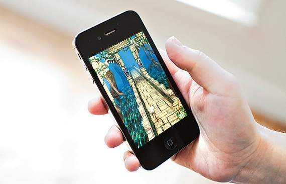 Temple Run 2 Runaway Success on both iPhone and Android- may be the biggest hit this year