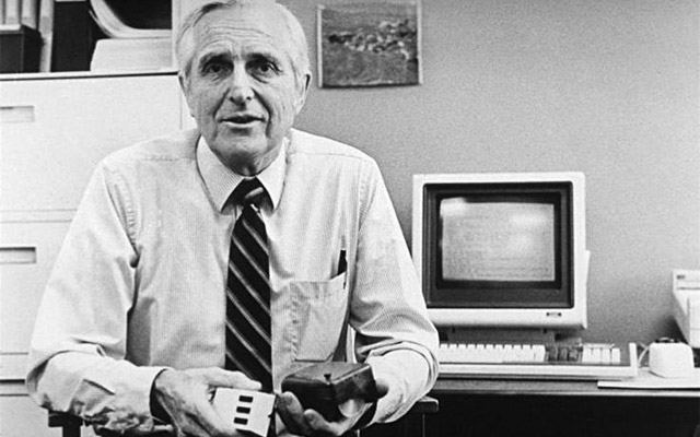 Mouse and Video Teleconferencing Inventor Doug Engelbart Dies At 88