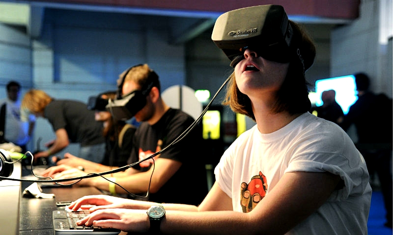 Oculus Rift To See Road Action In Three Chuck E. Cheese's Markets