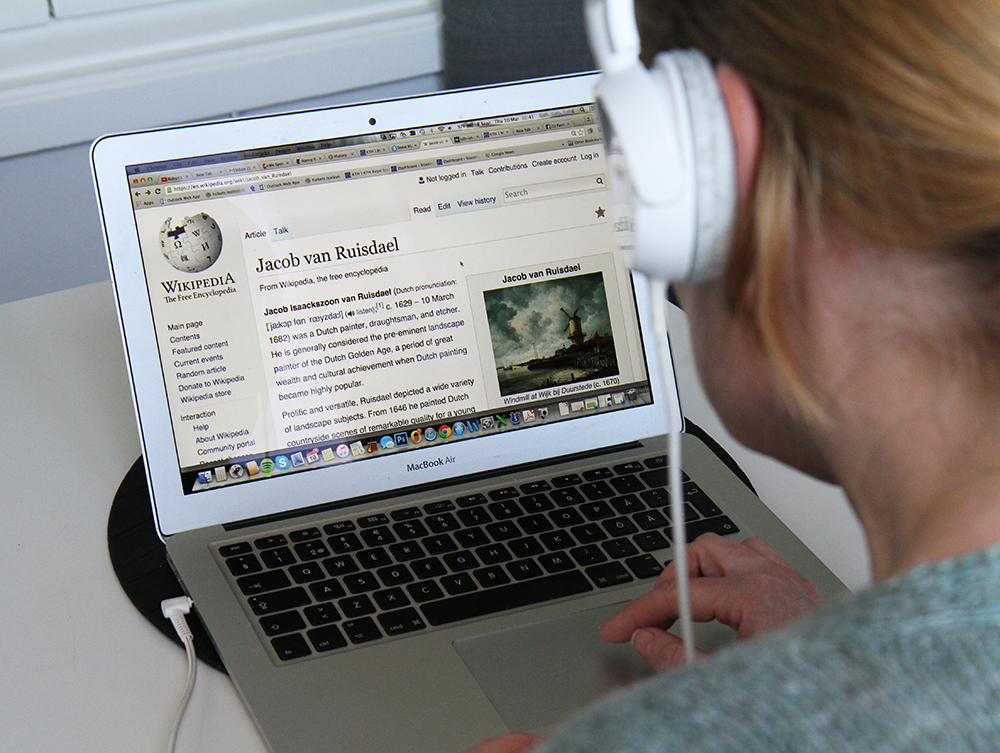 A Crowdsourced Speech Engine Is In Development For Wikipedia