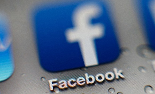 """Facebook Uses """"Disputed"""" Tag For Fake News"""