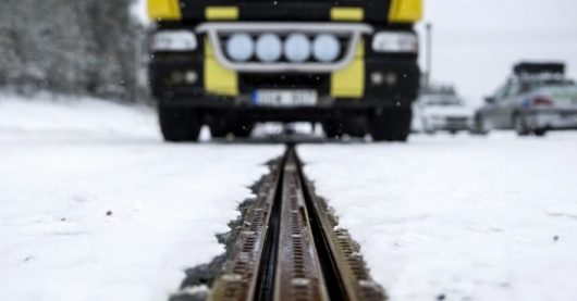 Sweden Opens Electrified Road In First Leg of Fossil Fuel Independence By 2030