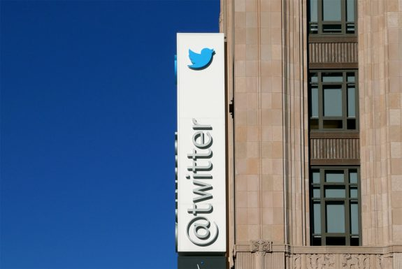 Twitter Warns Users To Change Passwords